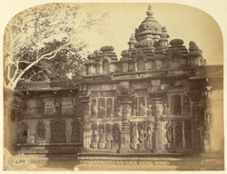Temple in courtyard of the Chennakeshvara Temple, Belur 2335